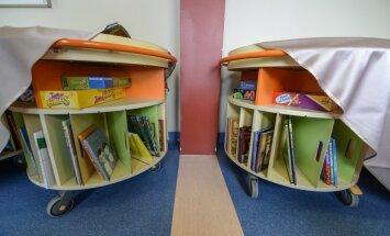 Liikuvad raamatukogud Tallinna lastehaiglas