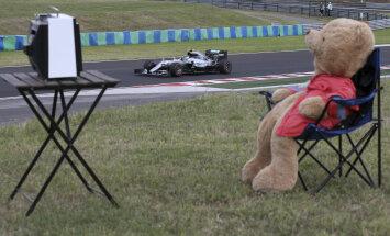 VIDEO: Rosberg Ungari vabatreeningu kiireim, Hamilton tegi avarii