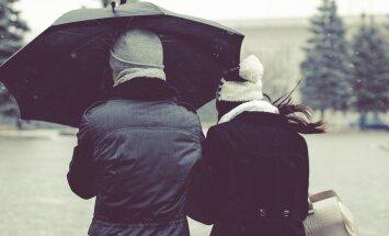 Suur vanusevahe: miks vaadatakse viltu, et endast 10 aastat noorema mehega koos elan?