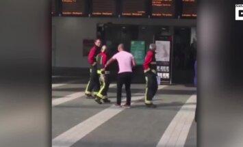 VIDEO: Mees teeb valeväljakutse, et paluda oma tuletõrjujast kallima kätt