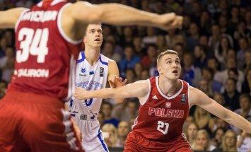 Eesti korvpallikoondis jäi Tartu Ülikooli spordihoones peetud viimases valikmängus Poolale alla koguni 63:94 ning kaotas lootuse EM-finaalturniirile jõudmiseks.