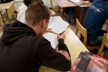 c1a3e10cdbd Koolist väljalangejate arv muudkui väheneb