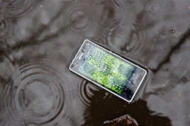 8ff457787ee Selgitame, kui veekindel telefon olla võib