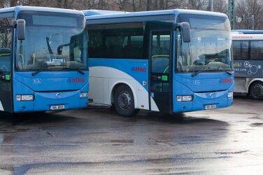 e00ef0a6121 Piletimüügi mure kadunud: tasuta bussisõit toob minister Simsoni  parteikaaslasele tulu