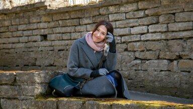 Miks Külli Reinumägi naeratab? Üks vastustest on ilmselt see, et 14 aastat vabakutselise näitleja elu on teda karastanud.