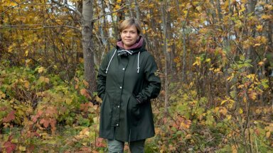 Pille Ligi toob esile, et looduskaitses on kaks suurt koolkonda: ühed, kes idealiseerivad metsikust, ning teised, kes leiavad, et loodus muutub ja muudab ning otsivad tasakaalu. Mõlemad armastavad ja väärtustavad loodust.