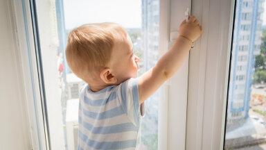 Ema verdtarretav meenutus: kodu ees autost välja astudes nägime, kuidas meie 4-aastane poeg neljanda korruse katuselt lehvitab...