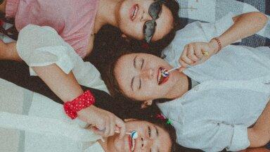 Как научить девочек поддерживать друг друга, а не соперничать (и зачем)