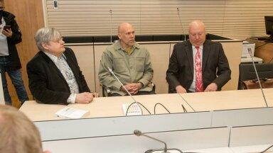 Urmas Simon (paremal) esindas kohtus europarlamendi saadikut Indrek Tarandit riigikogu ees rünnanud mehi.