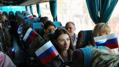 Nn Donetski rahvavabariigi Vene passiga elanikud sõidutati eribussidega Rostovisse Doni ääres, kus nad said Venemaa riigiduumat valida.