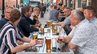 Britid võtavad suvest viimast. Antud foto on tehtud Londonis.