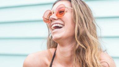 Цветные оправы и яркие линзы. Какие солнечные очки носить этим летом?