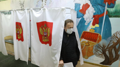 Valija valimisjaoskonnas.