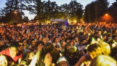 Veel eelmisel nädalavahetusel said inimesed Viljandi folgil nautida suvist kontserdimelu. Alates esmaspäevast kehtivad aga nii suurte sündmuste korraldamiseks märksa karmimad reeglid.
