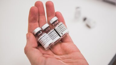 Pfizeri ja BioNTechi vaktsiini Comirnaty viaalid