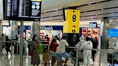Heathrow lennujaamas pidid osad 24. juulil lennureisilt saabunud juba kandma kaitseülikonda.