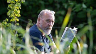 Raamaturahval tuleb ilus suvi, lugemist väärivate teoste kuhi ei mahuks suvilariiulile ära.