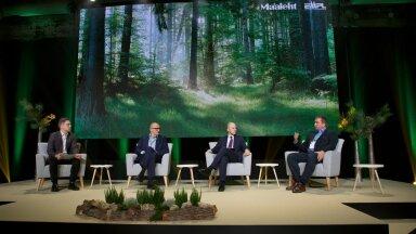 Paneelis arutlemas vasakult päeva juht ajakirjanik Kristjan Pihl, akadeemik Jaak Aaviksoo, keskkonnaminister Tõnis Mölder ja metsaettevõtja Andres Olesk.