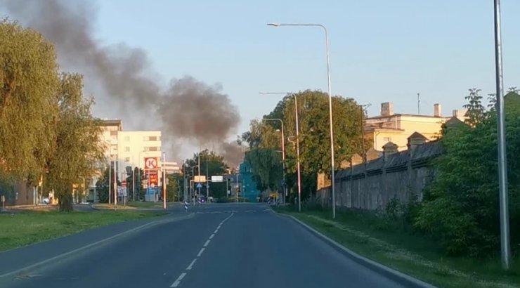 FOTOD JA VIDEO | Tuukri tänaval põles puidust kortermaja
