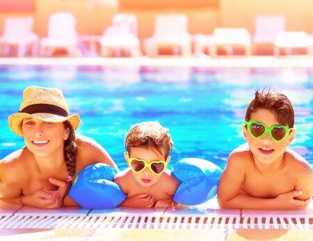Kas teadsid, et kui laps oskab ilma abiratastega jalgrattaga sõita, on parim aeg ta ujuma õpetada