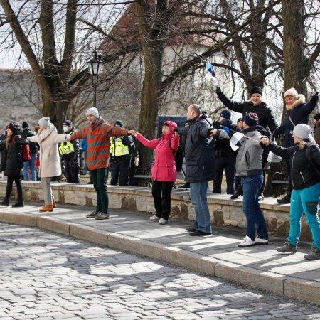 FOTOD   Protest jätkub: Toompeale on meelt avaldama toodud ka maimikud