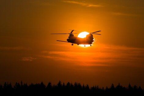 Chinook helikopterid Kuusiku lennuväljal