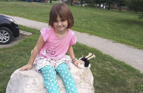 Ära jäta desopudeleid vedelema! See kuueaastane sai hirmsad põletushaavad, kui mänguhoos pritsitud puhastusvahend süttis