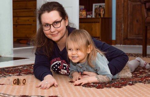 Maria ütleb, et Roora on imetore ja leplik laps, kuid tugivõrgustikuta on lapsekasvatus ikkagi keeruline.