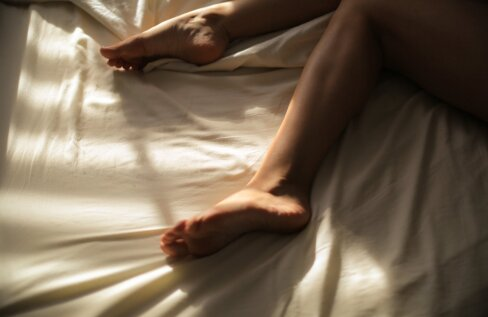 Eesti naiste seksipäevikud: meie suhe abielumehest armukesega on probleemivaba. Me tunneme kella, kasutame kondoomi ja teame, mida tahame