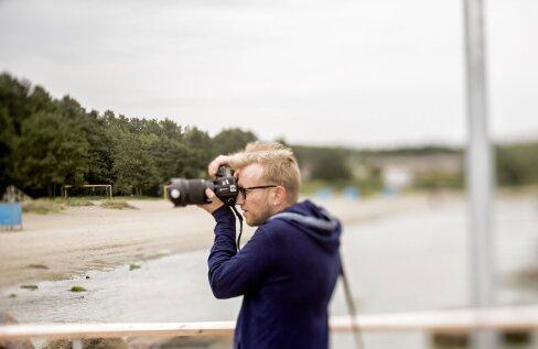 Kristjan hilissuvises rannas esikaant pildistamas. (2018)