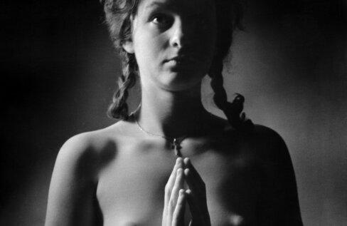 """""""Tütarlaps ristikesega"""" (1963)."""