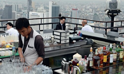 Bangkoki suur viisik: kõige uhkemad ja suursugusemad katusebaarid