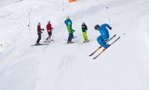 Mäesuusainstruktor Valdo Kangur soovitab: milline on õige varustus ning kuidas ohutult sõita