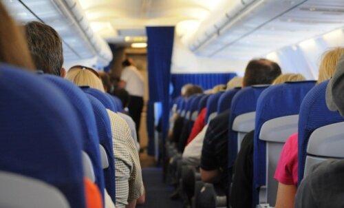 Lennureisijad said teada, mis juhtub, kui leiad oma istmelt kellegi täis oksekoti