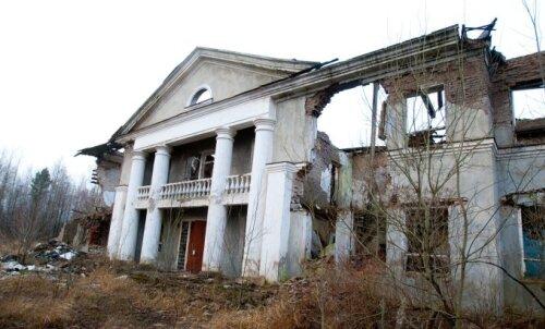 FOTOD: 9 põnevat ja avastamist väärt mahajäetud kohta Eestis