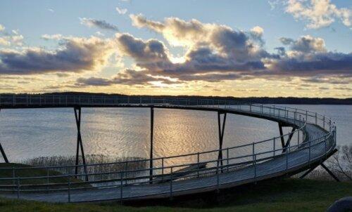 ФОТО | С видом на озеро: необычная смотровая площадка на границе Литвы и Латвии