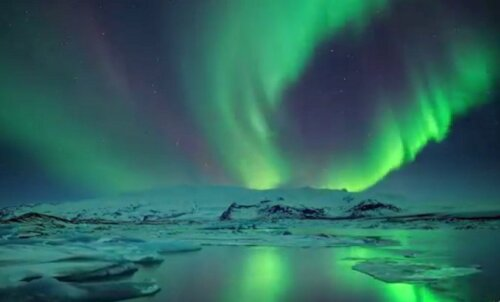 VIDEO: Lummav Islandi talv virmaliste, tormi, jää tuleku ja minekuga