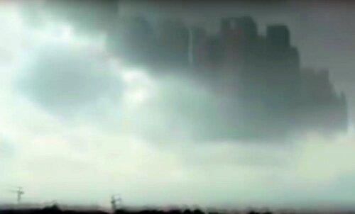 VIDEO: kas võltsing või omapärane loodusnähtus? Taevasse ilmusid hiiglaslikud pilvelõhkujad