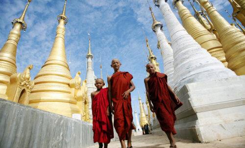 ФОТО. Путешествие в Мьянму: деревня чернозубых, веселые похороны и настоящая жизнь