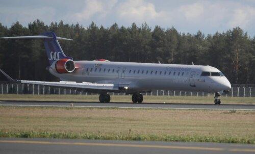 VÕIDUJOOKS AJAGA | 158 inimest jäid kohustuslikku eneseisolatsiooni, kuna lennuk maandus 1 minut pärast reeglite muutmist