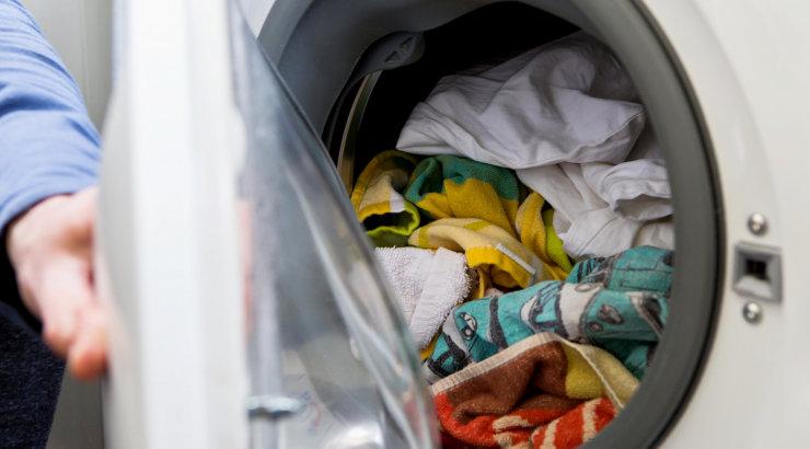 LUGEJAKIRI | Minu õnneliku kooselu saladus: kodu kraamib palgatud koristaja ning mees on pesumasina ja triikrauaga sina peal