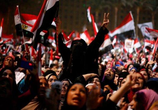 Sõjaväeline riigipööre Egiptuses: armee tühistas põhiseaduse ja kukutas president Mohamed Morsi