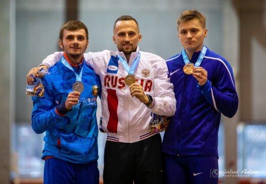 Rekordi hüpanud Tanel Visnap võitis kurtide sisekergejõustiku MMi avapäeval pronksi
