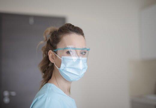 Sillamäe tehas hakkab riigile täistuuridel maske tootma ja palkab 70 uut töötajat