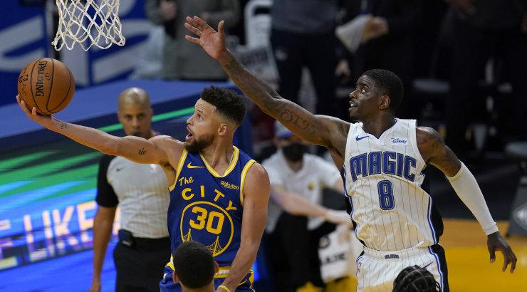 VIDEO | NBA kolmestekuningas Stephen Curry hiilgas taas
