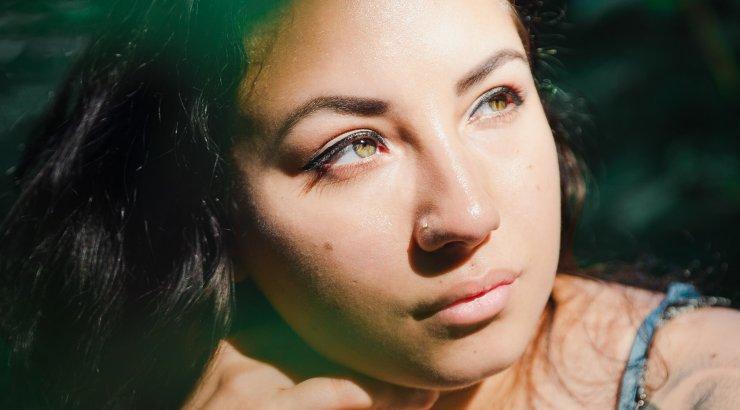 SUVISED ILUNIPID | Kuidas näonahk suvel särama lüüa? Need nõksud peaksid olema teada igale naisele