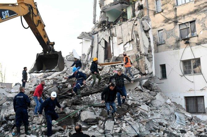 FOTOD   Albaaniat raputas maavärin magnituudiga 6,4, hukkunud on vähemalt 13 inimest