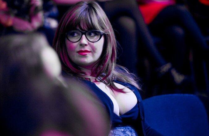 ФОТО: В Париже прошла неделя моды для полных женщин