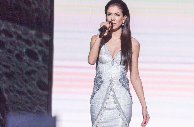 Pikk, vitaalne ja efektne nii lähedalt kui kaugelt: Laura Põldvere särab Eurovisioni laval hirmkallis õhtukleidis