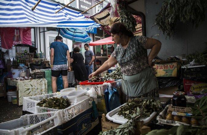 """""""Работать — это как-то непрестижно"""". Как в 2016 году живет Абхазия"""